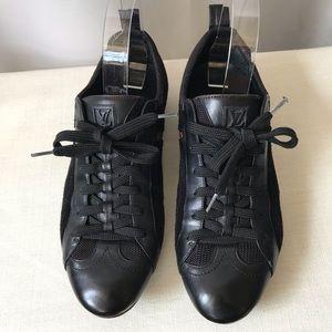 LOUIS VUITTON Blk Low Top Flat Sneakers Sz 39